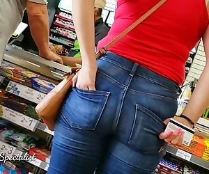 Young Sexy Mom in Tight Jeans Candid